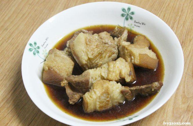 燉煮豬五花 | 鑄鐵鍋料理 | 大古鐵器 | 家庭日常料理 | 油亮的異國風味