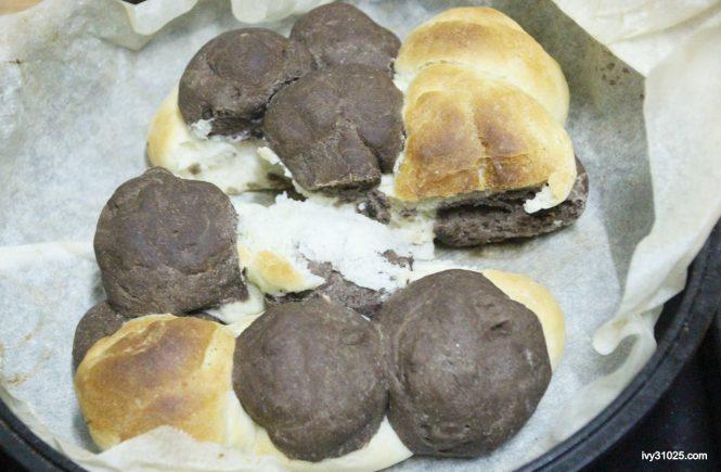 大古鑄鐵鍋 | 雙耳湯鍋3件組 | 鑄鐵鍋烘培料理 | 可可棋盤麵包 | 手撕麵包